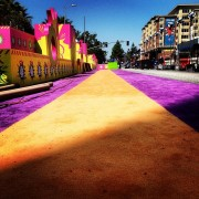 Check out that TRIO printed press wall while preparing the Orange carpet at the Kid's Choice Awards