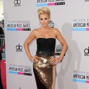 jenny mccarthy in front of TRIO printed step and repeat - 40th Annual AMAs