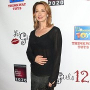 TRIO printed step and repeat with Sharon Lawrence - Les Girls 12