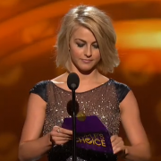 Julianne Hough presenting at the People's Choice Awards with TRIO fabricated envelope